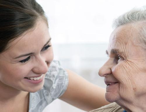 Devo deixar meu paciente com cuidados domiciliares ou colocá-lo em uma casa de repouso?